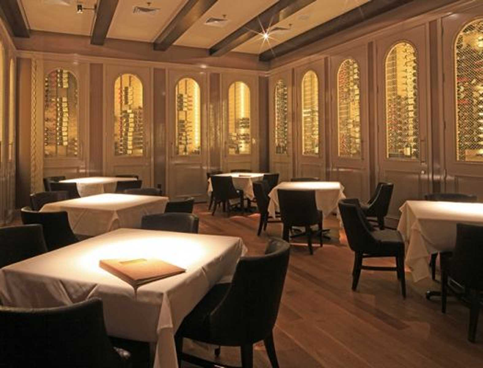 Fine dining restaurant design firm brennan s of houston